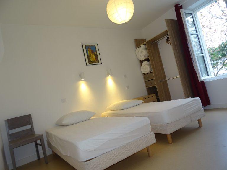 chambre 2 du gîte le phare pouvant acceuillir un lit médicalisé