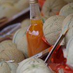 melon de charente accompagné de pineau des charente sur le marché de La flotte en ré
